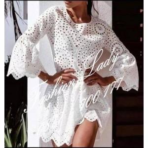 рокля бяла дантела