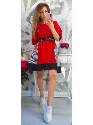 рокля червена с колан