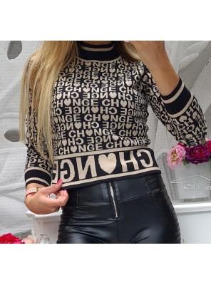 блуза с букви