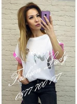 тениска с розов акцент на ръкавите